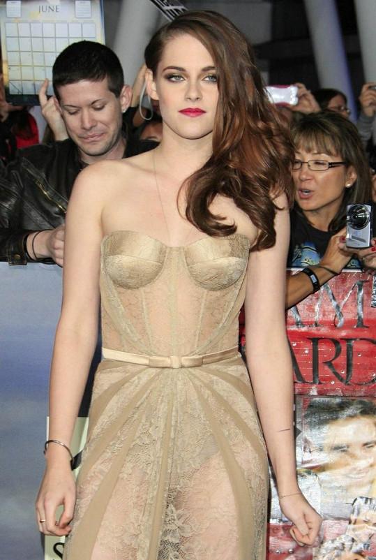 Jako vždy krásná Kristen Stewart byla tentokrát dost odvážná.