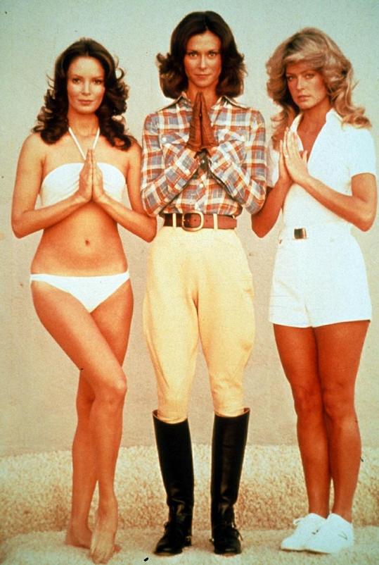 Jaclyn Smith (vlevo) s dalšími dvěma Charlieho andílky Kate Jackson (uprostřed) a Farrah Fawcett.