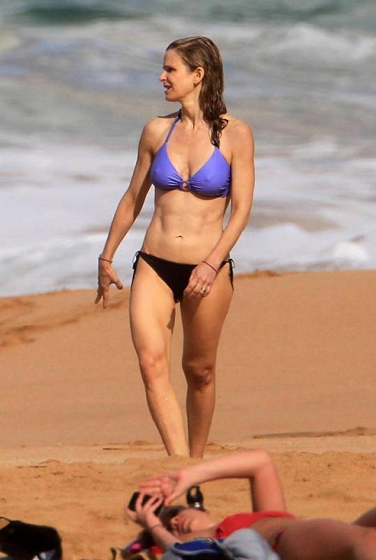 Kyra Sedwick (46) se udržuje ve skvělé formě.