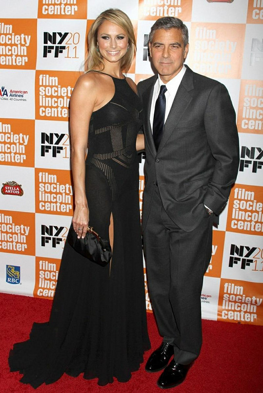 George Clooney a Stacy Keibler.