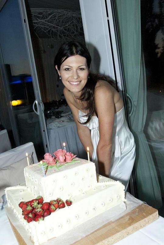 Modelka jí dorty jen o narozeninách.