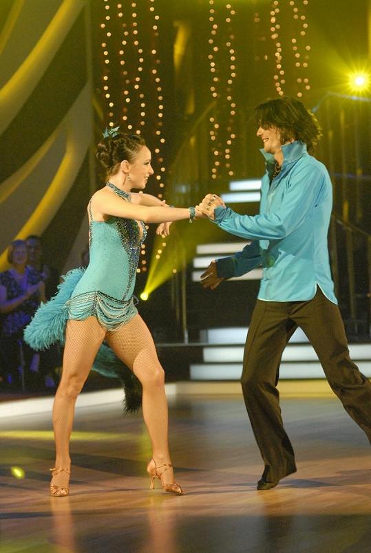 Tatiana Vilhelmová a Petr Čadek tančí jedno ze svých excelentních tanečních čísel.