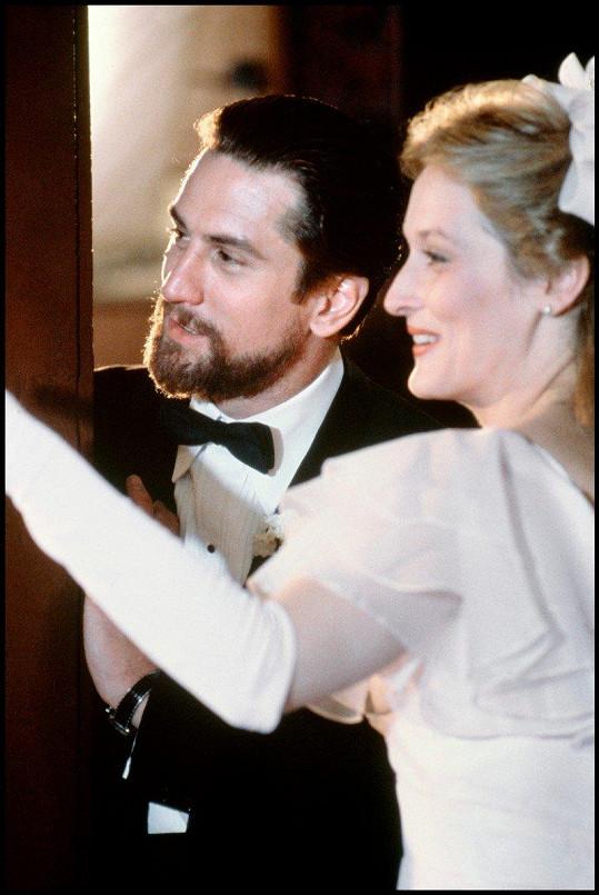 Meryl Streep a Robert De Niro ve filmu Lovec jelenů (1978)