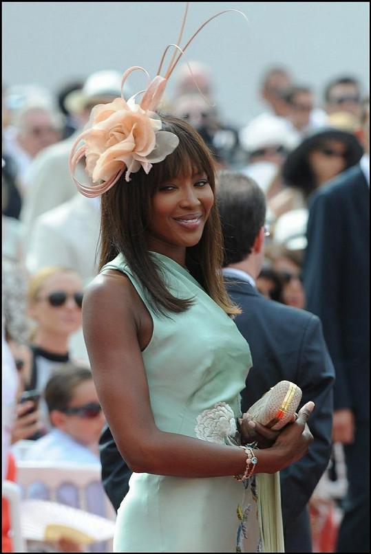 Naomi Campbell v šatech Givenchy.