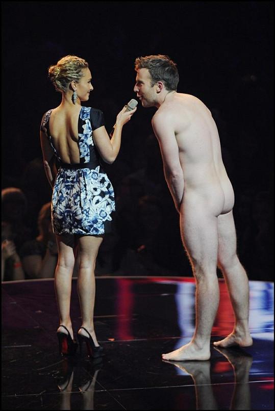 Hayden Panettiere se při šokujícím rozhovoru usmívala.