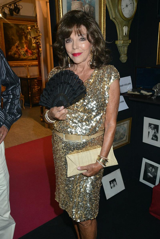 Joan Collins na osmdesátnici rozhodně nevypadá.