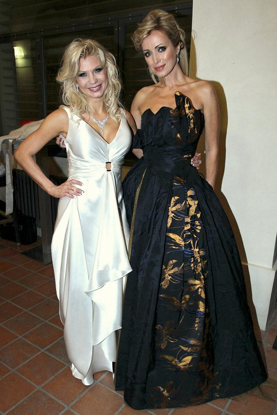 Kateřina Brožová s návrhářkou Natali Ruden.