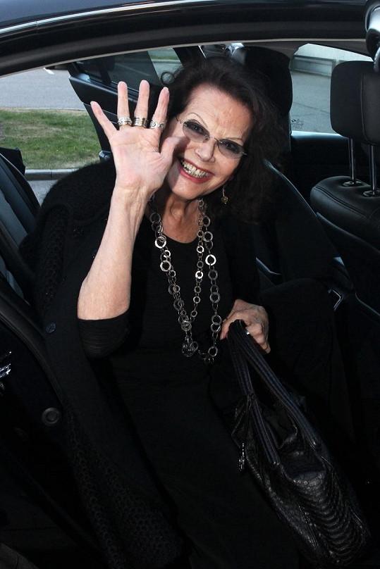 Claudia Cardinalová rozdávala úsměvy.