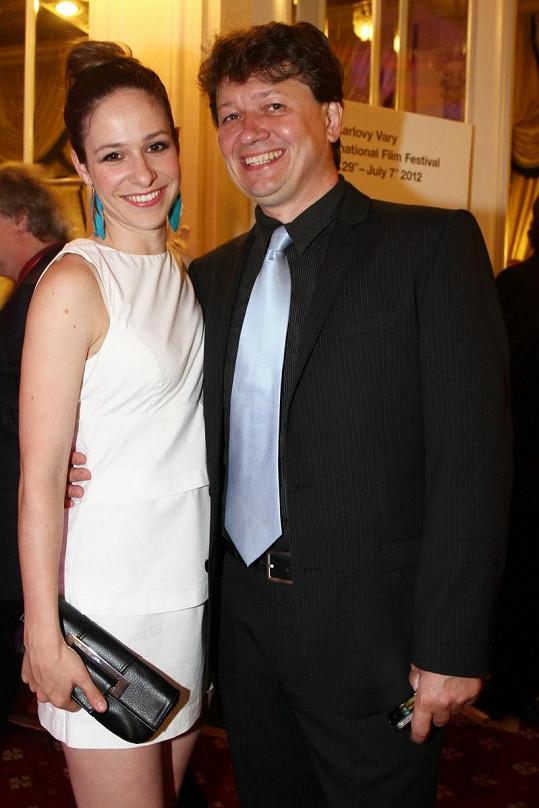 Kráska Kubařová žije s režisérem Karlem Janákem, který herečku poznal během natáčení filmu Rafťáci.