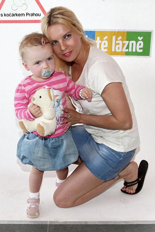 Kateřina Kristelová s dcerou Claudií na dětském dni.