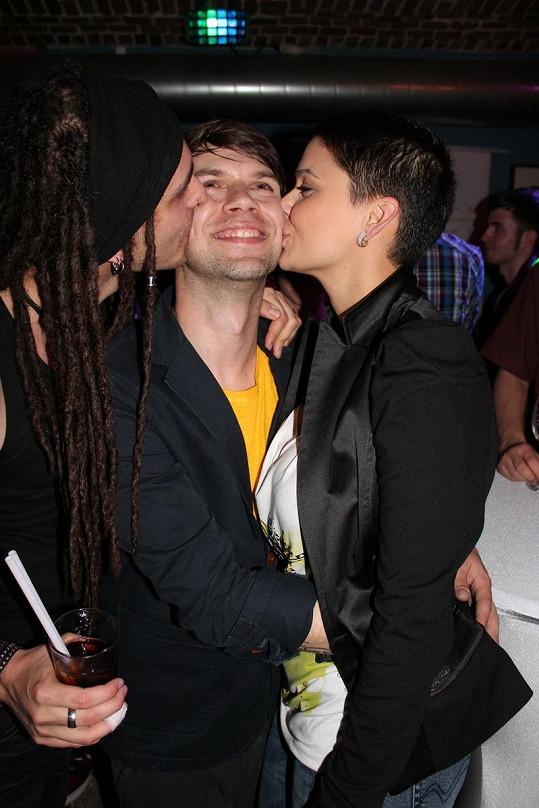 Erbová z vděku políbila Norberta Petického.