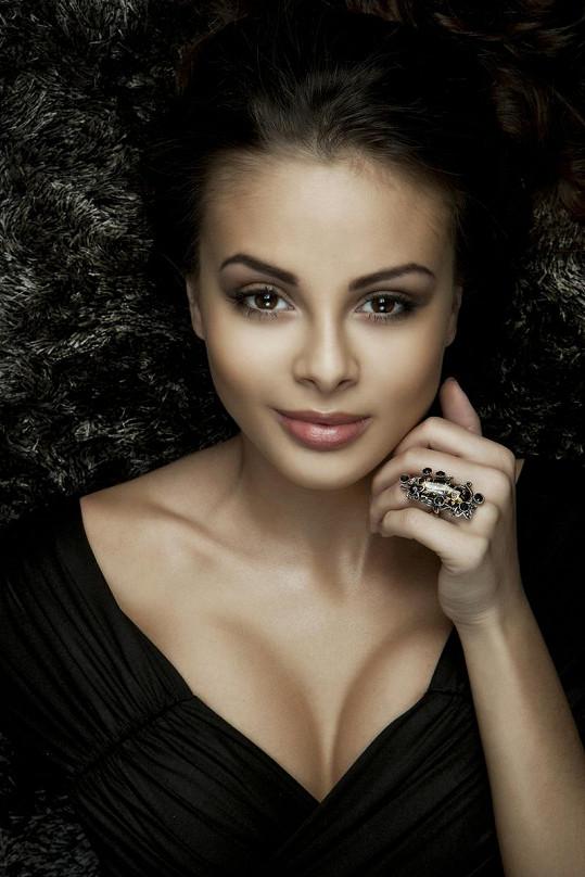 Monika Bagárová je po rozchodu s Benem Cristovaem bez partnera.