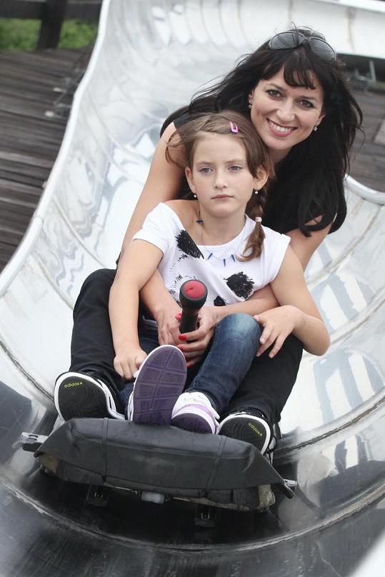 Adéla Gondíková se svou dcerou Nelou.