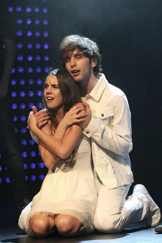 Míša s Romanem na pódiu.