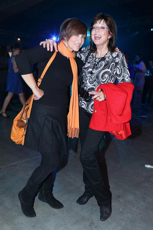 Petra s kamarádkou Marií Tomsovou, která pro ni občas zafunguje i jako vizážistka.
