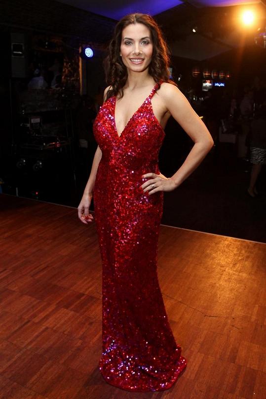 Eva Decastelo vypadá výborně.