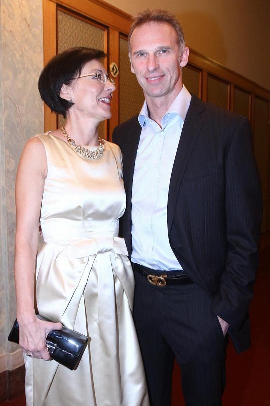 Dominik Hašek s Líbou Šmuclerovou působili jako ideální pár.