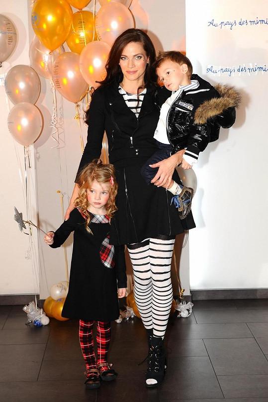 Vánoční párty ve Volcanu se zúčastnila i Andrea Verešová s dětmi.