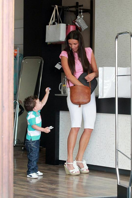 Andrea s sebou na nákupy vzala svého syna Jáchyma.