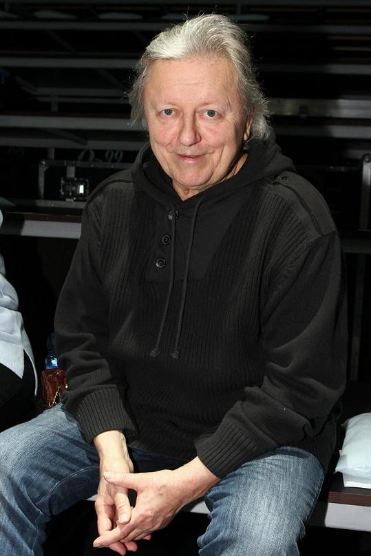 Václav Neckář se dokázal po mozkové mrtvici vrátit zpět na koncertní pódia.