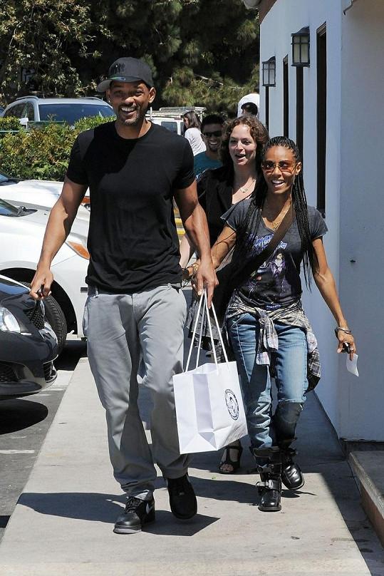 Will Smith a Jada Pinkett na nákupech zářili štěstím.