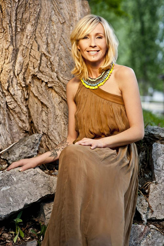 Tereza Pergnerová bude uvádět reality show Farma.