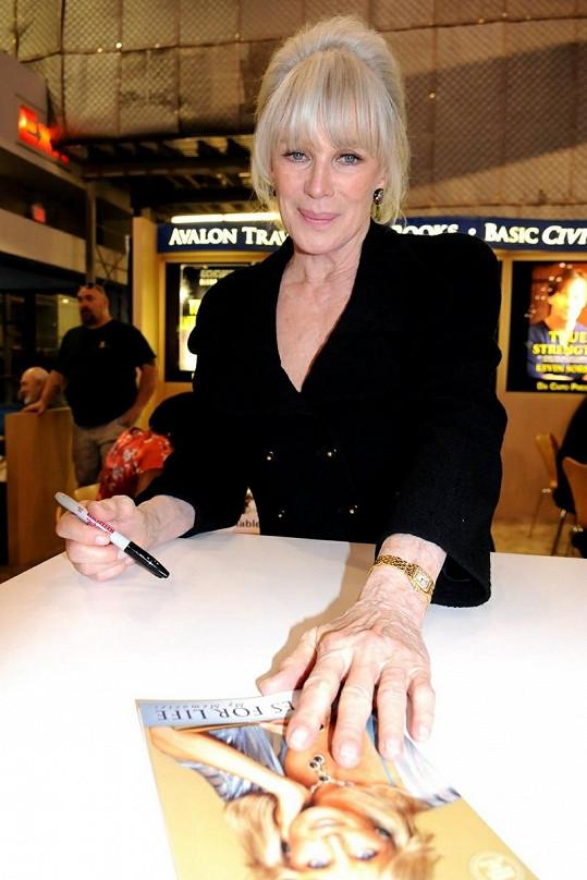 Stále okouzlující Linda Evans.