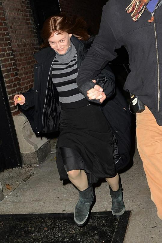 Vanessa Paradis utíkala před fotografy.