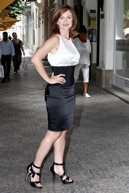 Terezie nakonec vybrala také černo-bílé šaty.