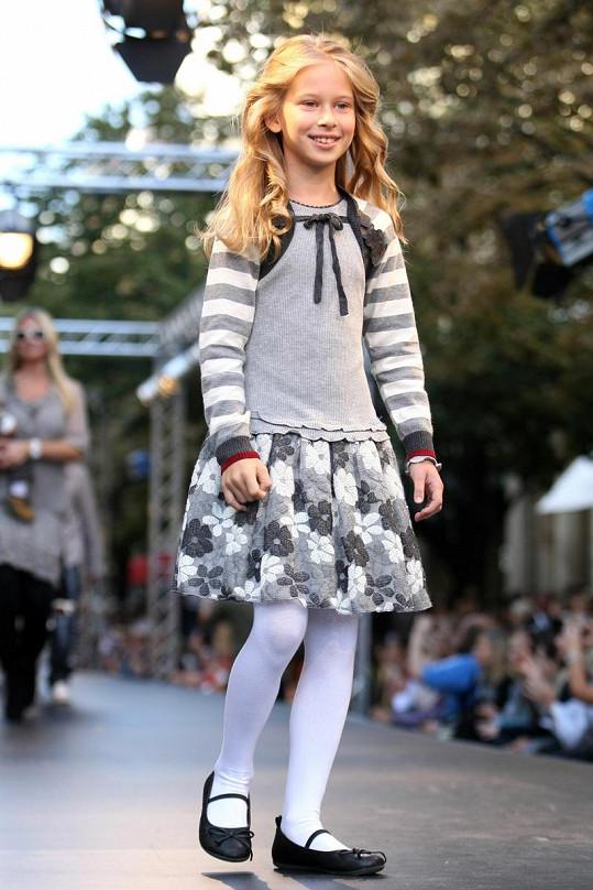 Ella na své první velké přehlídce v rámci Pražského víkendu módy loni v září.