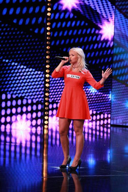 Livie Kuchařová je mladší sestrou slavné Miss Taťány Kuchařové.