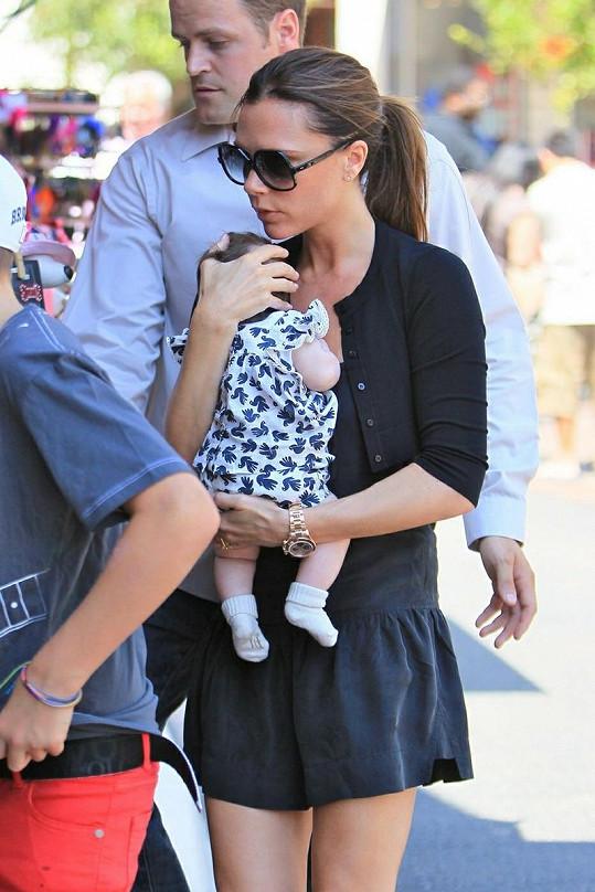 Victoria Beckham po porodu vypadá skvěle.