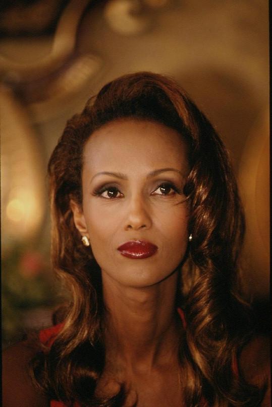 Půvabná Iman v roce 1994.