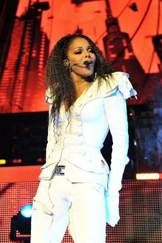 Takhle senzačně vypadala Janet loni v červnu při vystoupení.