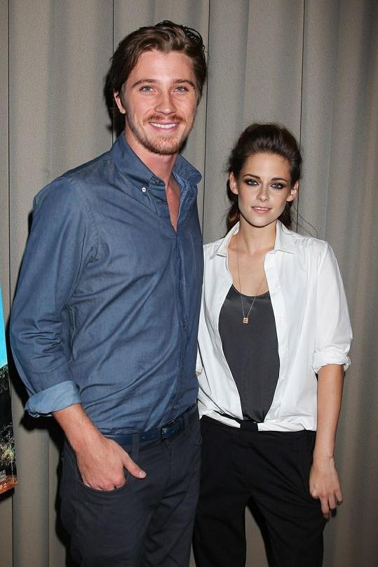 Kristen a herecký kolega Garrett Hedlund.