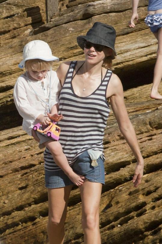 Naomi Watts s jedním ze svých synů.