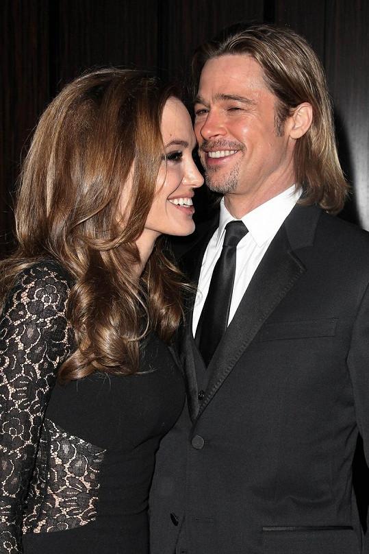 Snoubenci Brad a Angelina.