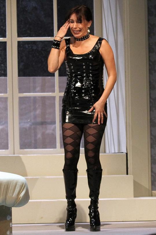 Nela Boudová na jevišti divadla.