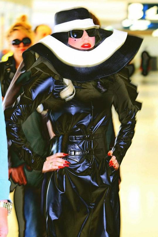 Nový šílený kostým Lady Gaga.