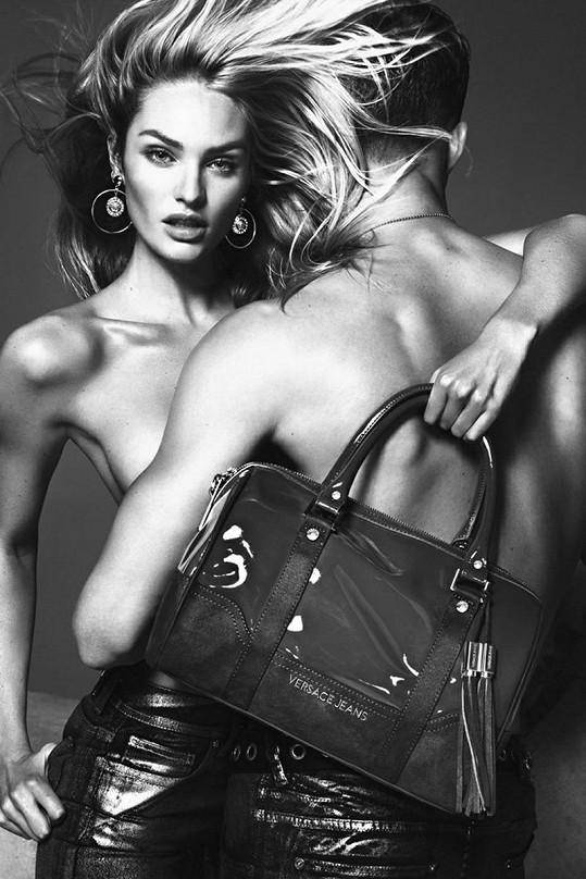 Candice Swanepoel pro kampaň Versace.