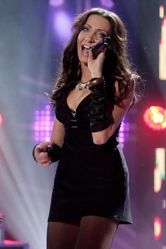 Olga Lounová postoupila do finále s písní z Diskopříběhu.