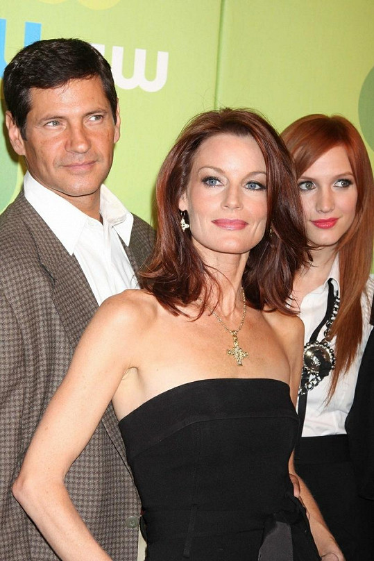 Laura Leighton, Thomas Calabro a Ashlee Simpson.