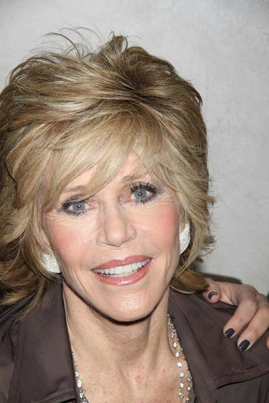 Jane Fonda s věkem neztratila nic ze své pověstné krásy.