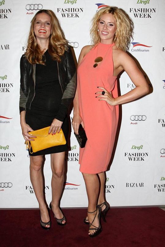 Karolína Bosáková s Nikol Moravcovou na Dreft Fashion Weeku.