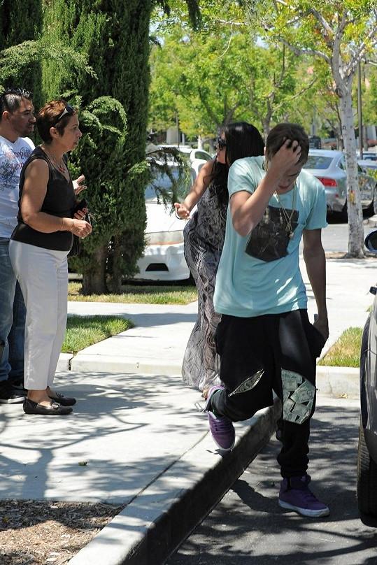Justin se po incidentu začal pořádně stydět.