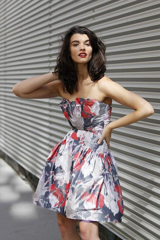 Crystal nedávno nafotila pro Z-Spoke kolekci jaro/léto 2012 a s modelkou větších velikostí měla pramálo společného.