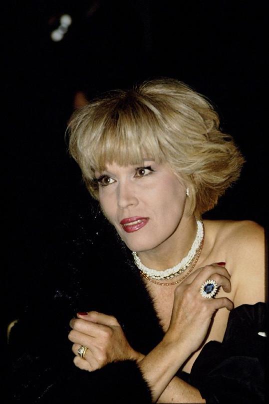 Slavná zpěvačka v roce 1990.