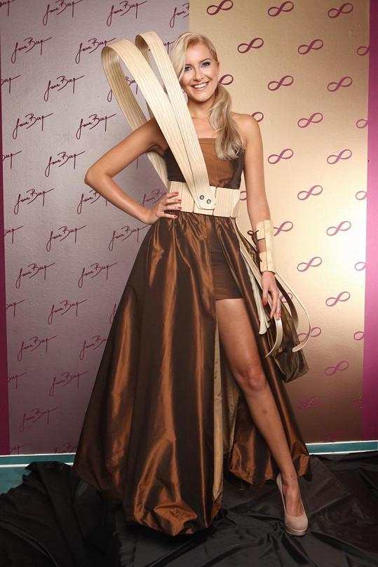 Jitka Nováčková ukáže na Miss Universe svá sexy stehna.