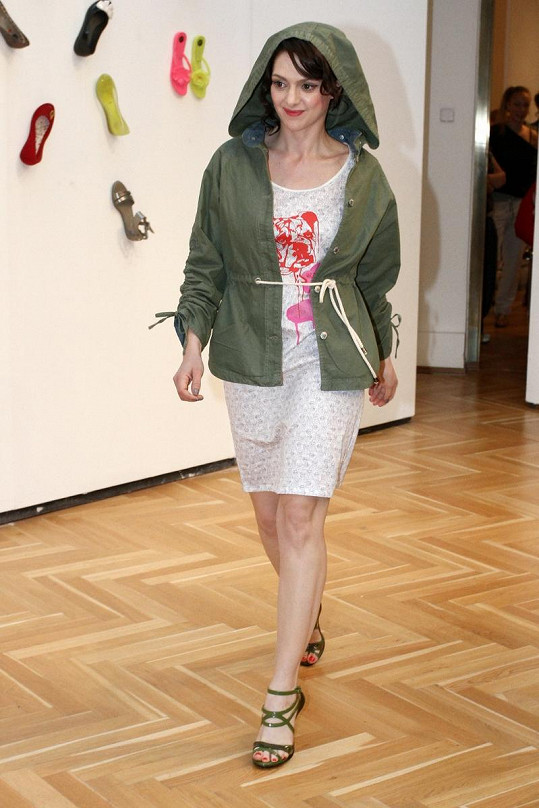 Klára Issová jako modelka.