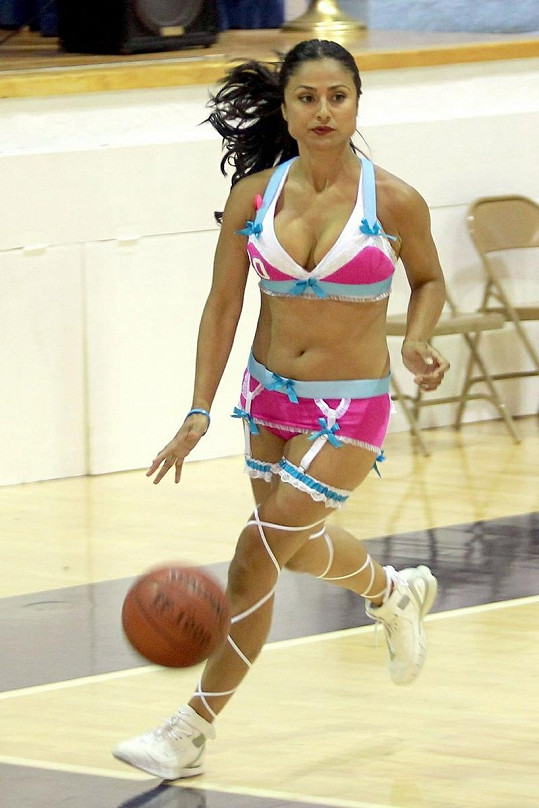 Ženský basketbal ve spodním prádle by se mohl rozšířit i k nám.